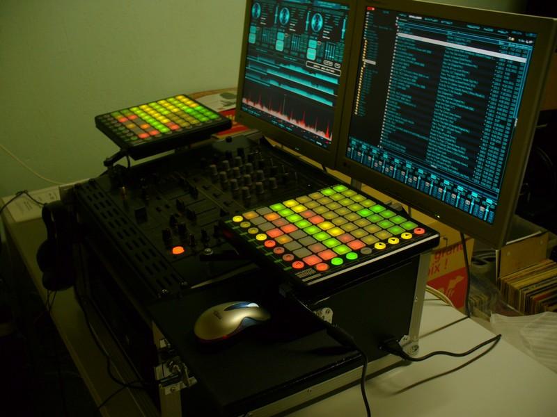 essayer logiciel dj Virtual dj est une console virtuelle de disc-jockey virtual dj est la console parfaite pour essayer un logiciel gratuit pour les dj professionnels.